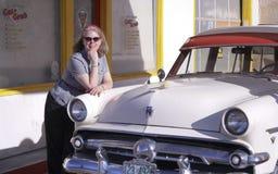 En 50-tal Ford Station Wagon, Lowell, Arizona Royaltyfri Bild