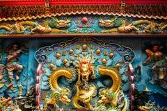 En tempel nära tigern och Dragon Pagoda royaltyfri bild