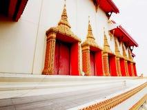 En tempel (sidosikten) Fotografering för Bildbyråer