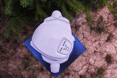 En tillbringare för rening av klappvatten Detaljer och n?rbild royaltyfri foto