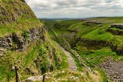 En torr dal i de Yorkshire dalarna, nordliga England Royaltyfri Fotografi