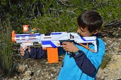 En Toy Nerf Rifle Royaltyfri Bild