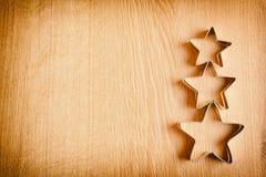 En träbakgrund med härliga stjärnor Passande för garnering av en ferie Royaltyfri Bild