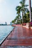 Strandwalkway. Arkivfoto