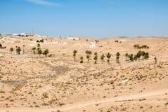 En traditionell arabisk stad med moderna detaljer royaltyfri fotografi
