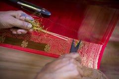 En traditionell Jamdani sareelokalvård Royaltyfri Bild