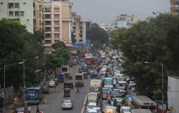 En trafikstockning i staden av Mumbai, en av det mest befolkade cet Arkivbilder