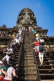En trappa upp till överkanten angkorcambodia wat fotografering för bildbyråer