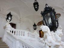 En trappuppgång i Belvederemuseum i Wien, Österrike royaltyfri fotografi