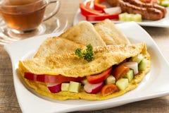 En trevlig omelett med grönsaker Arkivfoton