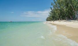 En tropisk solig strand, Mauritius Arkivfoto
