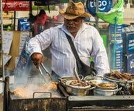 En typisk sikt i San Salvador i El Salvador arkivfoton