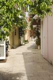 En tyst grekisk gränd Arkivfoton