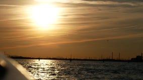 En un barco contra la puesta del sol metrajes