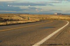En un camino en Arizona, los E.E.U.U. imágenes de archivo libres de regalías