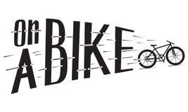En un ejemplo hecho a mano de la bici para el cartel en estilo del inconformista del vintage imagen de archivo libre de regalías