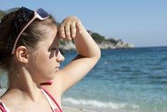 En un mar mirado muchacha Fotografía de archivo libre de regalías