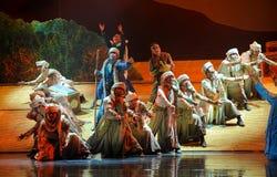 En una luna del ballet de la caravana-Hui del desierto sobre Helan Fotos de archivo libres de regalías