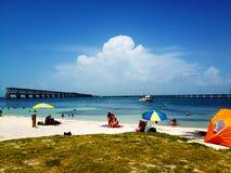 En una playa del paraíso Fotos de archivo libres de regalías