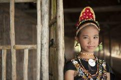 En ung dam från den Rungus person som tillhör en etnisk minoritet Royaltyfria Bilder