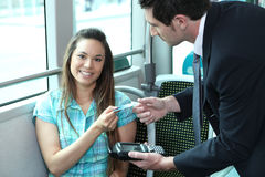 En ung kvinnlig passagerare Royaltyfri Bild