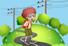 En ung pojke som går på gatan med elkraft, postar närliggande stock illustrationer