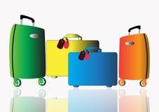 En uppsättning av bagageavdrag för att resa på en vit bakgrund med reflexion Fotografering för Bildbyråer