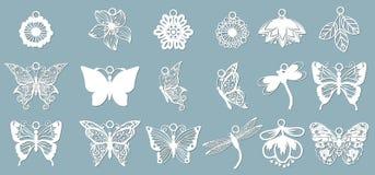 En uppsättning av fjärilsmodeller, sländor, i form av hängear Mall med vektorillustrationen av fj?rilar F?r laser vektor illustrationer