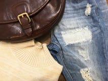 En uppsättning av kläder Arkivfoto
