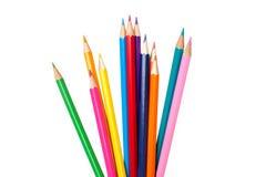 En uppsättning av mångfärgade blyertspennor Arkivbild