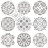 En uppsättning av nio mandalas vektor illustrationer