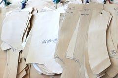En uppsättning av pappersmodeller och stor-storleksanpassade mallar Royaltyfria Bilder