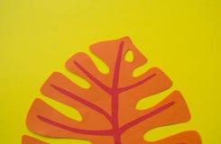 En uppsättning av sidor av en tropisk växt Handgjort, pappers-, urklipp och hantverk fotografering för bildbyråer