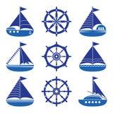 En uppsättning av symboler av en yacht, en roder, en segelbåt, ett rep royaltyfri illustrationer