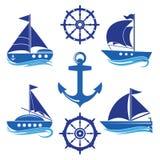 En uppsättning av symboler av en yacht, en roder, en segelbåt, ett rep stock illustrationer
