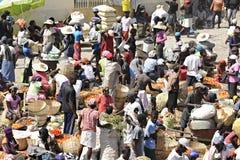 En upptagen haitier marknad Royaltyfri Foto