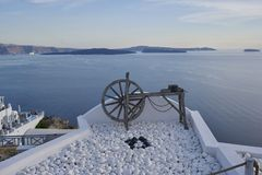 En utkiksikt av havet i Santorini Grekland arkivbild