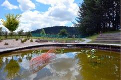 En utomhus- exponeringsglasträdgård nära Taupo, Nya Zeeland Royaltyfria Bilder