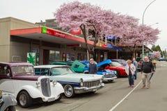 En utomhus- klassisk bilshow i Tauranga, Nya Zeeland arkivfoto