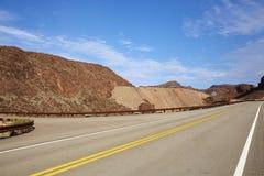 En väg i den Gobi öknen i det Neveda tillståndet av USA Arkivbild