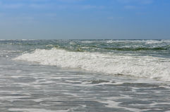 En våg på kusten Fotografering för Bildbyråer