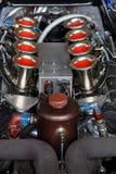 En V8 motor Arkivfoton