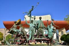 ` En vagn med clown`-skulptur, Bucharest Fotografering för Bildbyråer