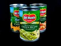 En variation av cans av Del Monte Vegetables royaltyfria bilder