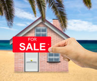 En vente dans la maison de plage Images stock