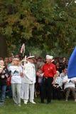 En veteran hälsar andra på räddningen som vårt kors samlar, Knoxville, Iowa Royaltyfria Foton