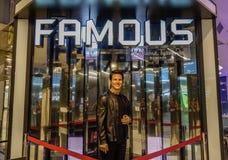 En waxwork av Tom Cruise på skärm royaltyfri foto