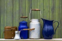 Enamelware viejo de la cocina Imagenes de archivo