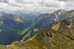 Enarbola las montañas de Tatra del panorama, Zakopane, Polonia Foto de archivo libre de regalías