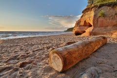 Enarene la playa y el mar en Letonia en verano Imagen de archivo libre de regalías